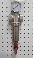 Латунный механический фильтр с сетчатым картриджем из нерж.стали 100мк с манометром